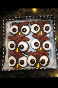 Zoomed in, owl cupcakes