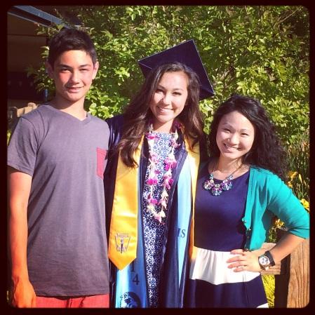 sydnie graduation family cousins